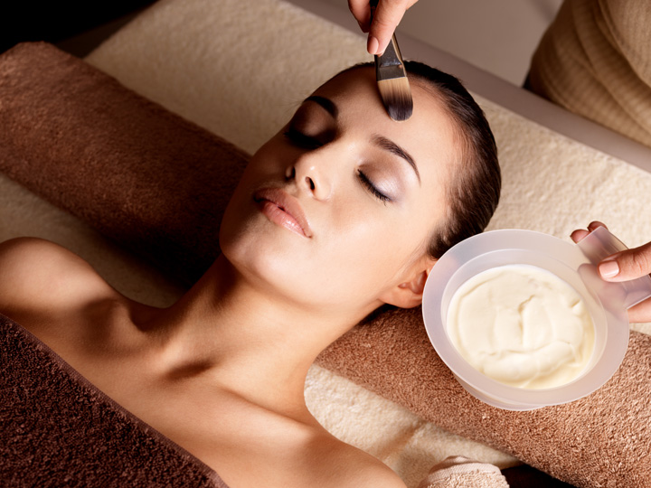 La Therapie Hydralift Facial